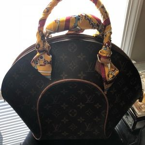 Handbags - Vintage Authentic LV